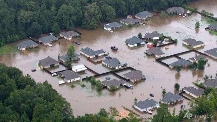 Five dead, 20,000 rescued in Louisiana floods