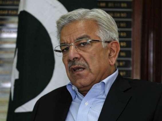 السفير الطاجيكي لدى باكستان يلتقي وزير الدفاع الباكستاني
