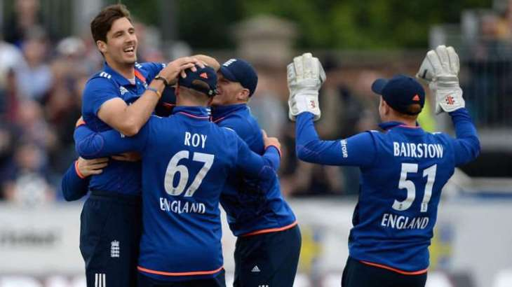 Cricket: England's Finn out for a month