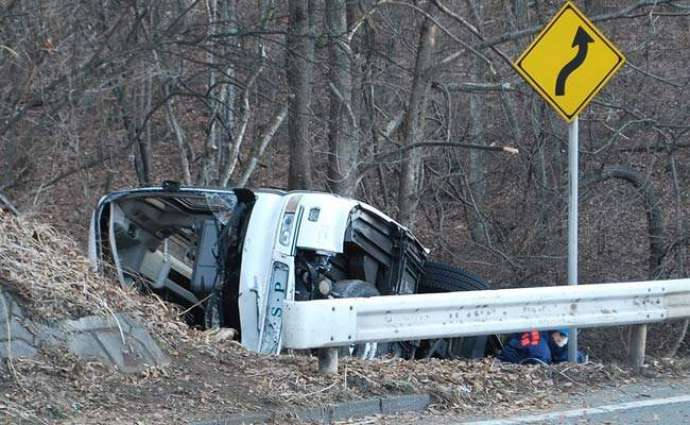 Two killed,Five injured as van falls into ditch