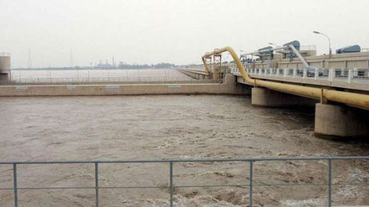 River Indus still in low flood