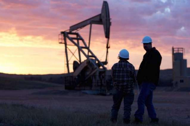 Oil prices drop before US inventory data