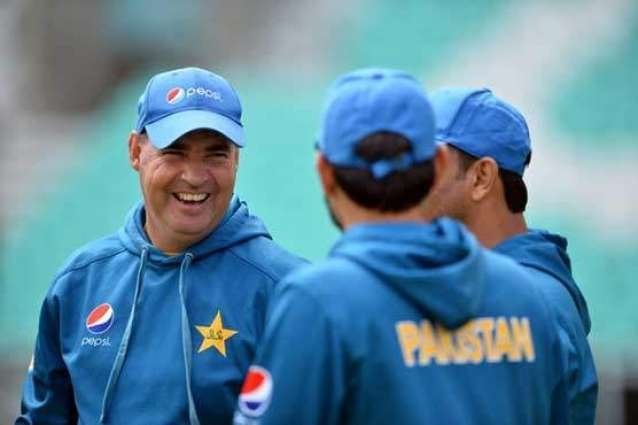 Cricket: Pakistan's one-day form a worry for Arthur