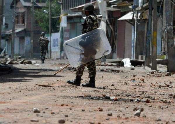 Soldiers raid village in Indian Kashmir, one dead