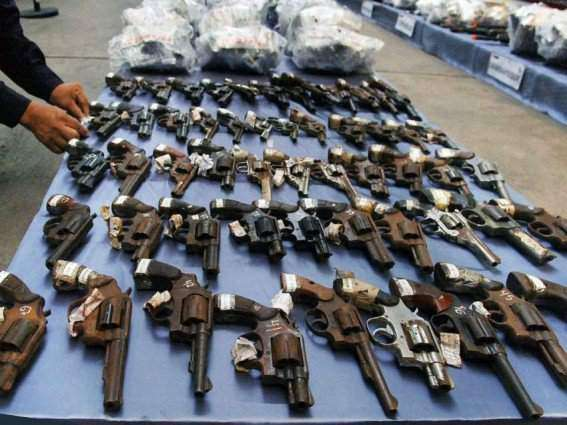 30 criminals held with drugs, weapons