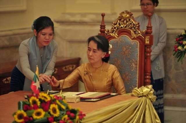 Myanmar's Suu Kyi in China with dam project on agenda
