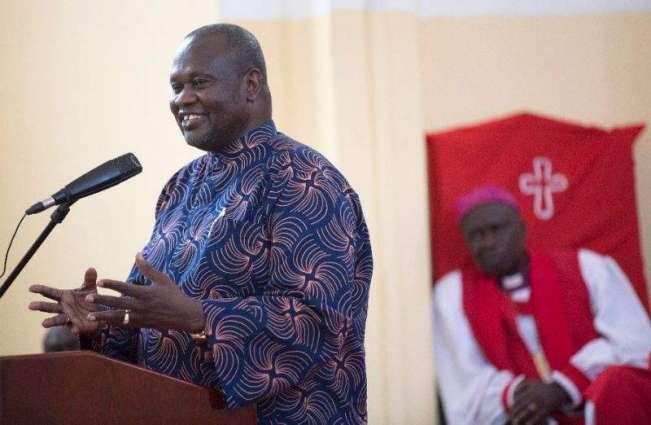 Ex-VP Machar leaves S.Sudan for 'safe' country
