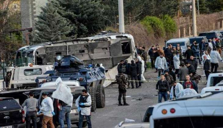 Four dead in bomb attack on army convoy in southeast Turkey