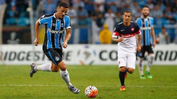 Football: Sydney FC sign Brazil's Bobo