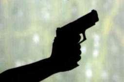 مسلح بندیاں دی دکان اچ لُٹ مار،فائرنگ،4سال دے بال سمیت ڈو بھرا زخمی