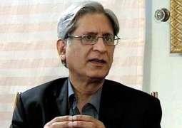 Aitzaz Ahsan advises Khan to be vigilant