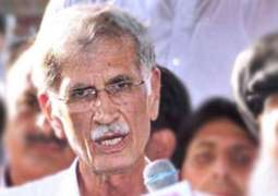 Unblock the roads for us, we will hold peaceful demonstrations- says CM KPK Pervaiz Khatak while he escaped an accident on stage