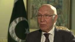 مستشار رئيس الوزراء الباكستاني للشؤون الخارجية: باكستان تتبع سياسة فعالة حول الوضع المتدهور في كشمير المحتلة
