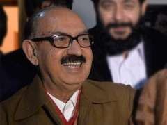 مستشار رئيس الوزراء الباكستاني للتاريخ الوطني والتراث الأدبي يعزي في وفاة شقيق الصحفي الطاف حسين قريشي