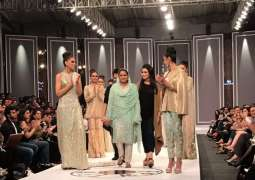 Mukhtaran Mai walks the ramp awaking awareness for abondaned women