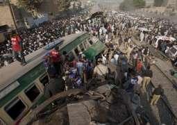 Trains crash kills 20 in Karachi