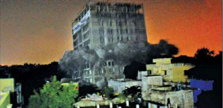 11 storey building shatters in 3 seconds