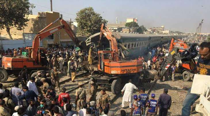 17 killed, 50 injured as trains collide near Karachi