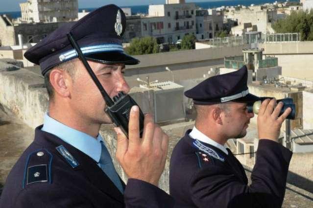 اٹلی وچ ہک پولیس افسر اپنڑی ذال اتے ڈو دھیریں کوں قتل کرنڑ دے بعد خودکشی کر گھدی
