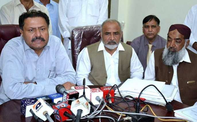 Minister for completion of dev projects within time
