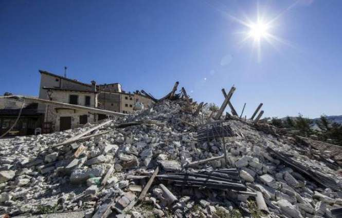 Italy quake zones fear tourism collapse as displaced total rises