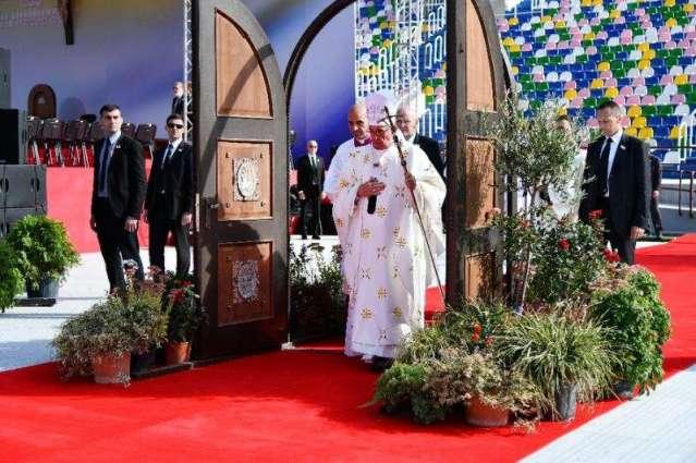 Vatican to open its doors to 1,000 prisoners