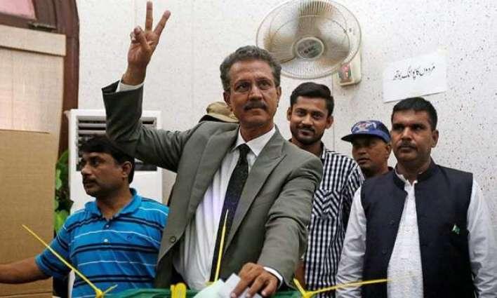 انسداد دہشت گردی عدالت وچ میئر کراچی وسیم اختر دی ضمانت منظور