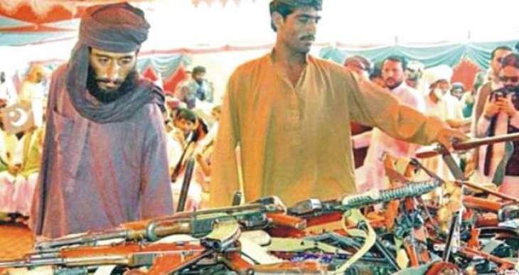کوئٹہ: کالعدم تنظیم دے 202فراریاں نے ہتھیار سُٹ دِتے