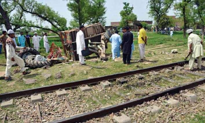 Karakoram Express hits trolley, no loss occurs