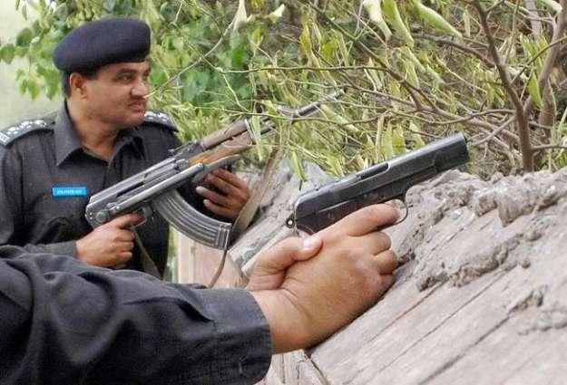 Target killer killed in an encounter, two street criminals arrested