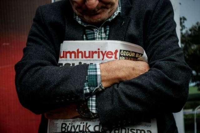 Turkey arrests head of opposition newspaper: report