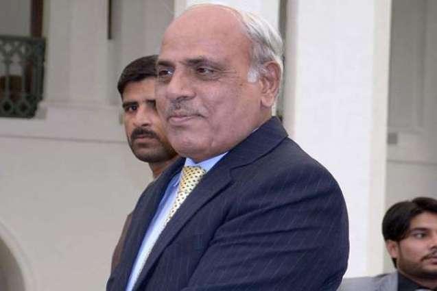 Rafique Rajwana congratulates Saeed-uz-Zaman Siddiqui