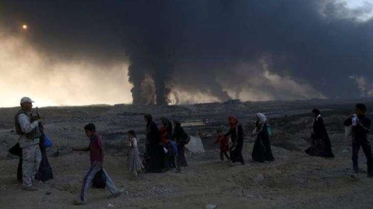 'Intense' fighting in Mosul as civilians flee