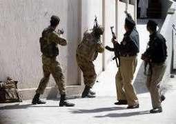 پشاور وچ پولیس دا سرچ آپریشن، 52بندے گرفتار، اسلحا تے منشیات برآمد