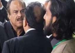 پاکستان تحریک انصاف دے دوویں ترجماناں دی صلح ہوگئی