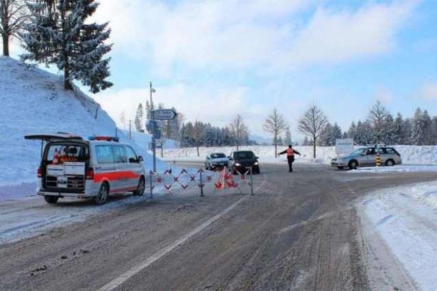'Dangerous' gunman in Switzerland flees after injuring police
