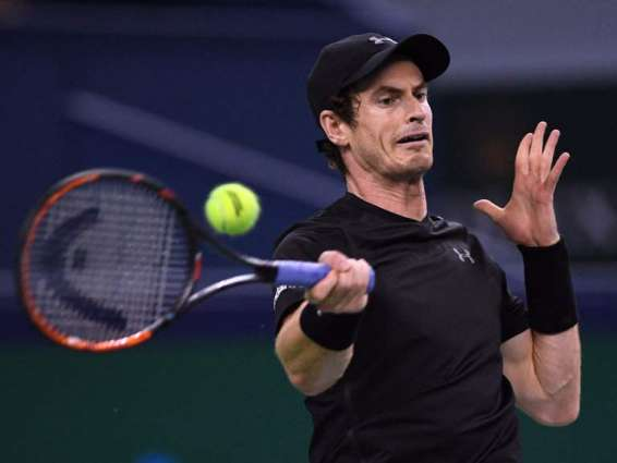 Murray eases to first win of 2017