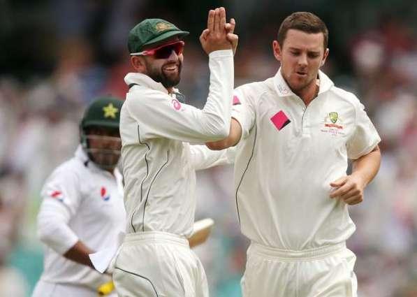 Pakistan 16-2, trail Australia by 522 at tea