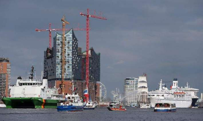 Divers to search for missing Hamburg official
