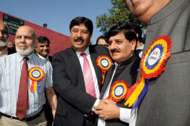 Sheikh Aftab distributes keys of motorbikes among MEAs