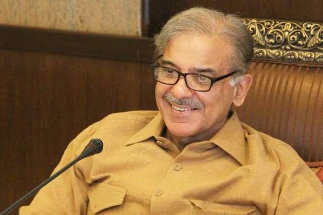 رئيس وزراء حكومة إقليم البنجاب الباكستاني يعزي في وفاة عبد الاكبر خان