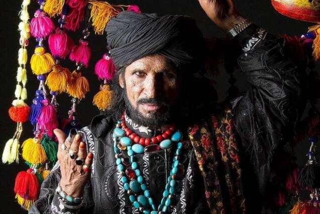 Sain Zahoor captivates Peshawarits with his performance