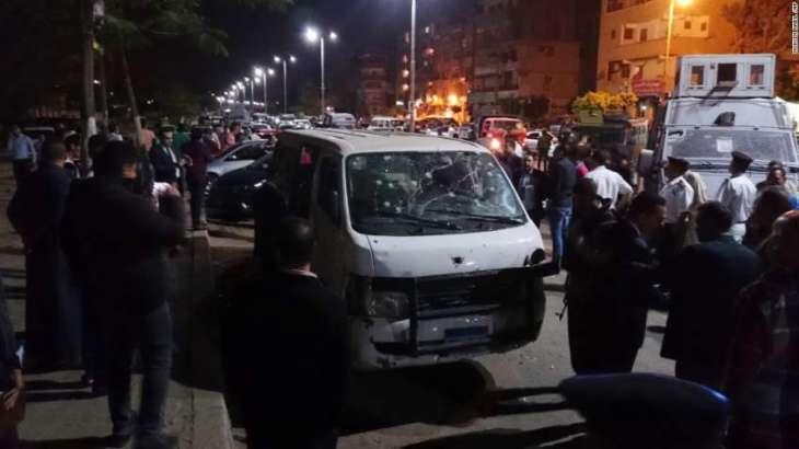 Gunmen kill 8 Egyptian policemen outside Cairo: ministry