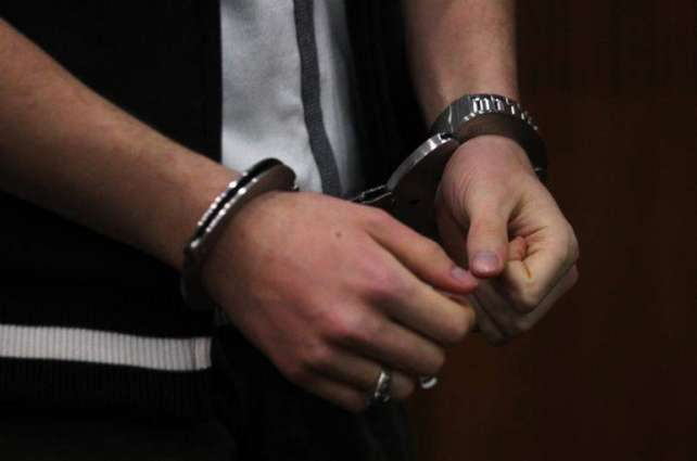 27 criminals held with drugs, weapons