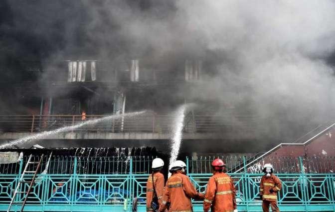 Massive fire engulfs historic Jakarta market