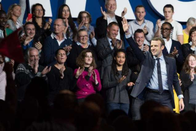 Macron, 39, gains traction as France yearns for change