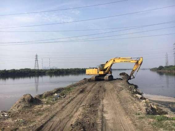 Desilting of 10 perennial canals begins