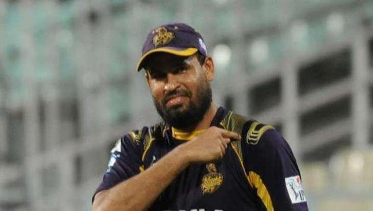 بھارتی کرکٹر یوسف پٹھان بھیس بدل کے کرکٹ کھیڈن پہنچ گئے