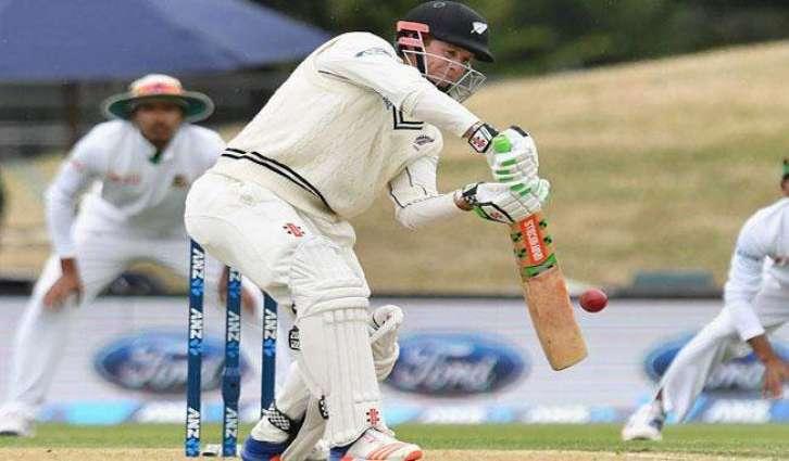 Nicholls' 98 puts New Zealand ahead