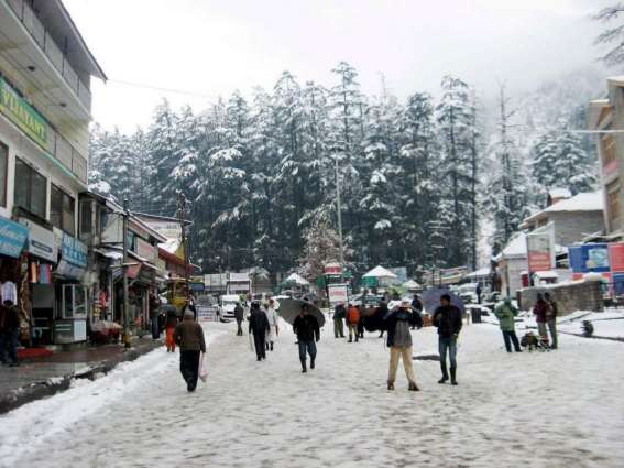 Snowfall increases flow of tourists